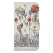 Δερμάτινη Θήκη Πορτοφόλι με Βάση Στήριξης για Sony Xperia L1 - Σχεδιασμένη Πόλη με Πολύχρωμα Αερόστατα