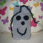Crochet Pouche for iPhone 6 / Galaxy S3 / S4 / S5 - Grey with Face