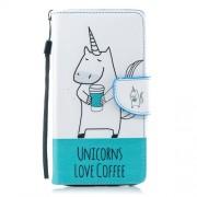 Δερμάτινη Θήκη Πορτοφόλι με Βάση Στήριξης για Samsung Galaxy J4 (2018) - Μονόκερος που Πίνει Καφέ