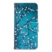 Δερμάτινη Θήκη Πορτοφόλι με Βάση Στήριξης για Xiaomi Redmi 5 Plus - Ανθισμένα Κλαδιά σε Μπλε Φόντο