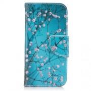 Δερμάτινη Θήκη Πορτοφόλι με Βάση Στήριξης για Samsung Galaxy A3 (2017) - Ανθισμένα Κλαδιά σε Μπλε Φόντο